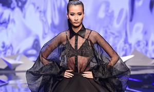 Những màn catwalk 'giật cục' khiến khán giả nơm nớp của Trang đơ Next Top