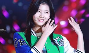Idol 'hát sai tiếng Anh' Sana ngày càng xinh đẹp nhờ giảm cân