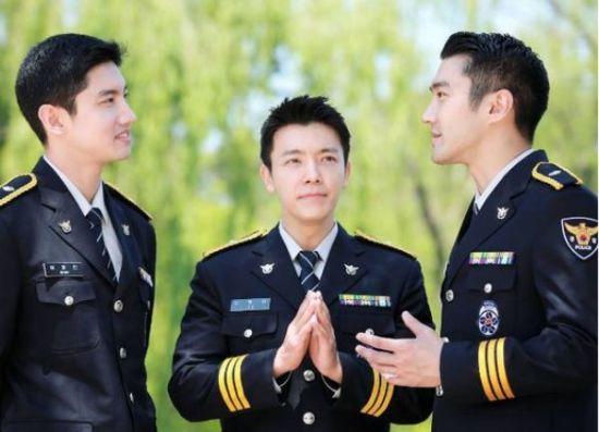 fan-tinh-nguyen-bi-cong-tay-neu-nhung-idol-nay-la-canh-sat-2
