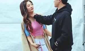 Hình ảnh Chae Yeon I.O.I bị quản lý 'bóp cổ' gây tranh cãi