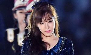 Tiffany lộ nét thoáng buồn khi tái xuất sau scandal