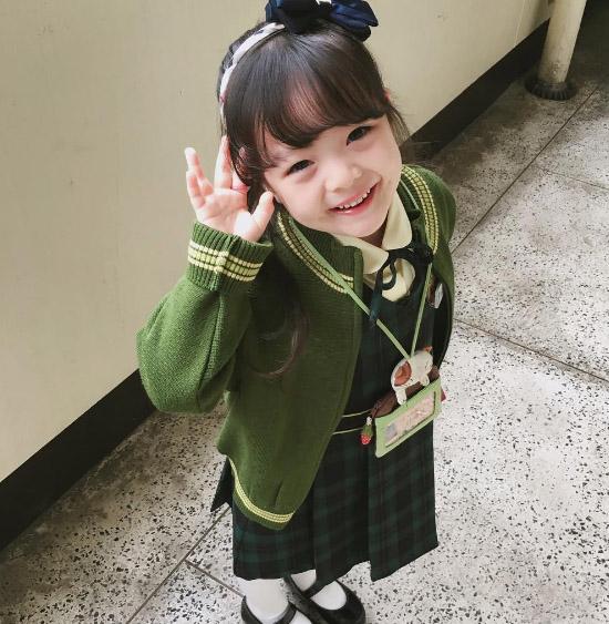 nhung-hot-girl-nhi-xu-han-sanh-dieu-ngang-nguoi-lon-2-4
