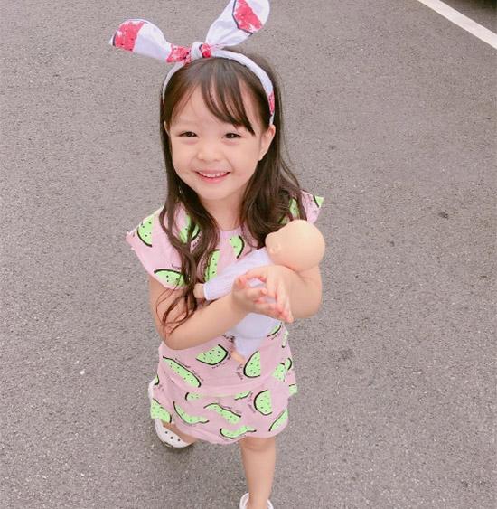 nhung-hot-girl-nhi-xu-han-sanh-dieu-ngang-nguoi-lon-2-3