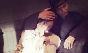Những hành động 'như người yêu' của Bo Gum và Yoo Jung ở hậu trường phim