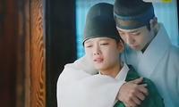nhung-hanh-dong-nhu-nguoi-yeu-cua-bo-gum-va-yoo-jung-o-hau-truong-phim-13