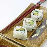 doan-tuoi-tam-hon-ban-qua-mon-sushi-ua-thich-1