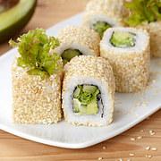 doan-tuoi-tam-hon-ban-qua-mon-sushi-ua-thich-2