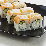 doan-tuoi-tam-hon-ban-qua-mon-sushi-ua-thich-3