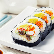 doan-tuoi-tam-hon-ban-qua-mon-sushi-ua-thich-4