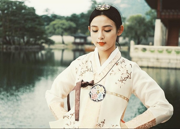 5-hot-girl-viet-dien-hanbok-xinh-khong-kem-thieu-nu-han-13