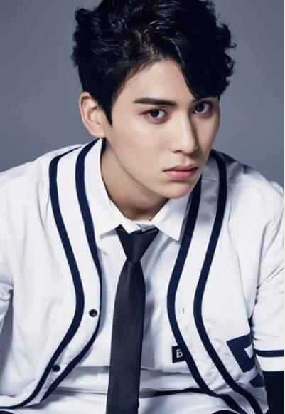 idol-kpop-dinh-chan-thuong-do-benh-hang-loat-3