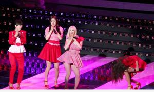 5 tai nạn sân khấu 'để đời' của sao nữ Kpop