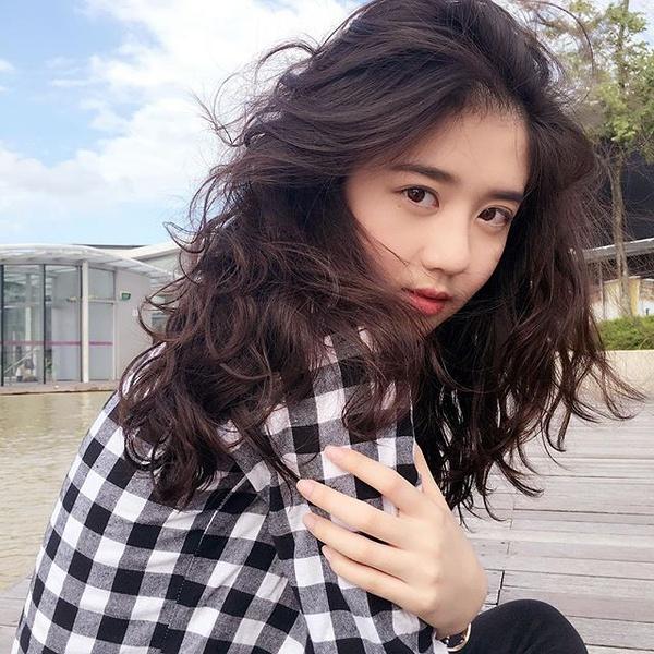 hot-girl-singapore-sinh-nam-1999-co-ve-dep-tu-nhien-nhu-nu-than-8