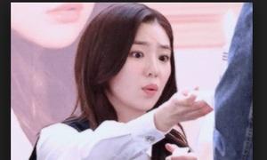 Cách an ủi fan gây 'tan chảy' của các idol Hàn