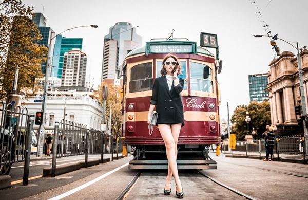 diem-my-9x-khoe-street-style-sang-chanh-o-australia-4