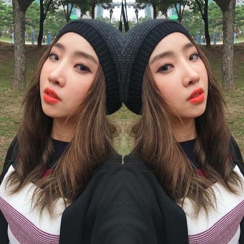 sao-han-17-10-hyo-min-khoe-dang-chun-mau-ji-hyo-twice-mat-do-bat-thuong-6