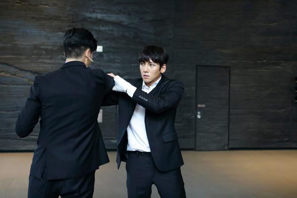 nhung-vai-dien-dua-ji-chang-wook-thanh-nam-than-phim-hanh-dong-4