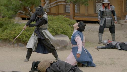 moon-lovers-vo-chong-baek-hyun-chet-tham-anh-tu-tu-bo-hae-soo-2