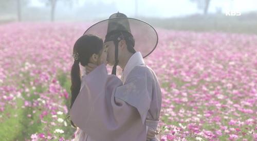may-hoa-anh-trang-dau-happy-ending-van-buon-that-ruot-4