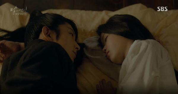 moon-lovers-vo-chong-baek-hyun-chet-tham-anh-tu-tu-bo-hae-soo-6