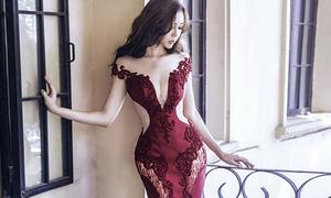 Elly Trần đẹp như tranh với đường cong ảo diệu