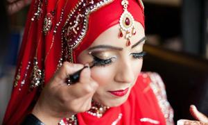 Lộ mặt mộc, cô dâu mới cưới bị chồng bỏ