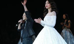 Hoa hậu Mỹ Linh lần đầu nhận lời catwalk trên sàn diễn thời trang
