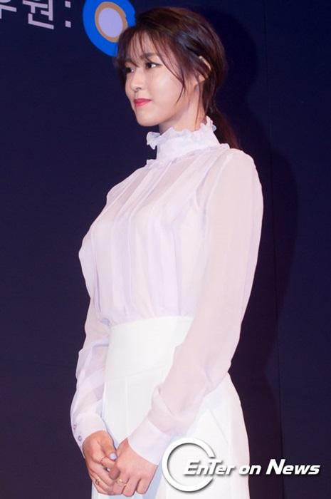 kim-yoo-jung-seol-hyun-khac-la-voi-toc-mai-thua-moi-1