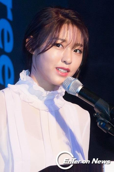 kim-yoo-jung-seol-hyun-khac-la-voi-toc-mai-thua-moi-2