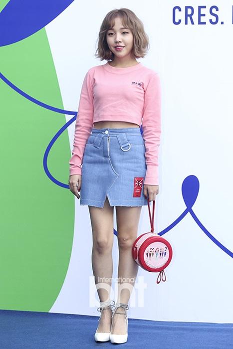 12-bo-canh-dep-nhat-cua-my-nhan-han-o-seoul-fashion-week