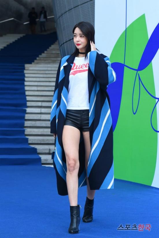 12-bo-canh-dep-nhat-cua-my-nhan-han-o-seoul-fashion-week-8