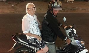 Cụ bà 89 tuổi một mình du lịch Việt Nam bằng tiền lương hưu