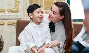 Hồ Ngọc Hà đối thoại tiếng Anh với con trai Subeo