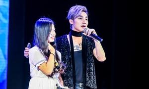 Sơn Tùng gặp cô gái đặt cho nickname Sky