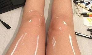 Sự thật bất ngờ về bức ảnh đôi chân bóng loáng
