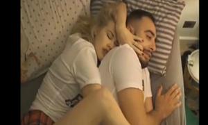 Ai bảo ngủ với 'gấu' lúc nào cũng dễ chịu?