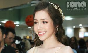 Elly Trần tha thướt như nữ thần