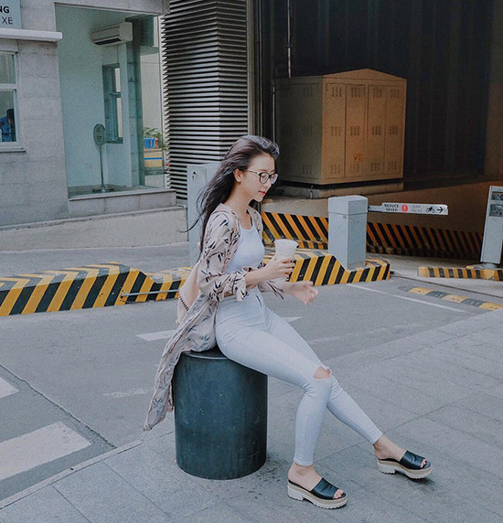 quynh-anh-shyn-bien-bo-tuong-cot-dien-thanh-anh-street-style-sieu-chat-1