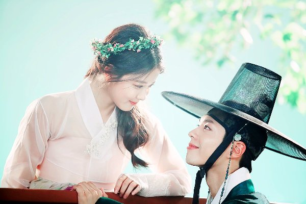kim-yoo-jung-yeu-the-tu-lee-young-khong-yeu-park-bo-gum