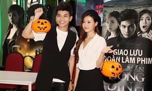 Midu tặng quà fan theo phong cách Halloween