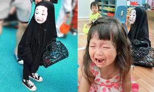 Cô nhóc xứ Đài hóa trang ma Vô Diện hot nhất Halloween