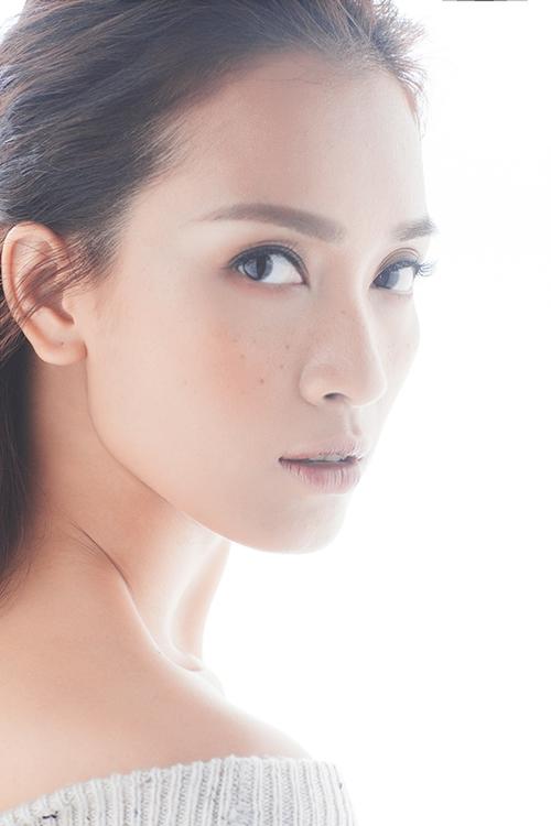 ai-phuong-cuon-hut-khi-theo-mot-make-up-mat-tan-nhang-2