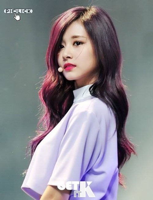 ke-long-may-den-dam-tzuyu-bi-che-bot-xinh-4