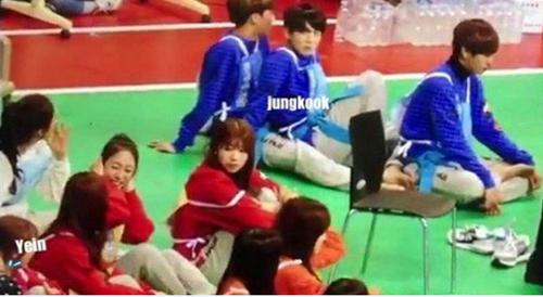 netizen-tung-bang-chung-jung-kook-bts-hen-ho-idol-dep-la-kpop-5