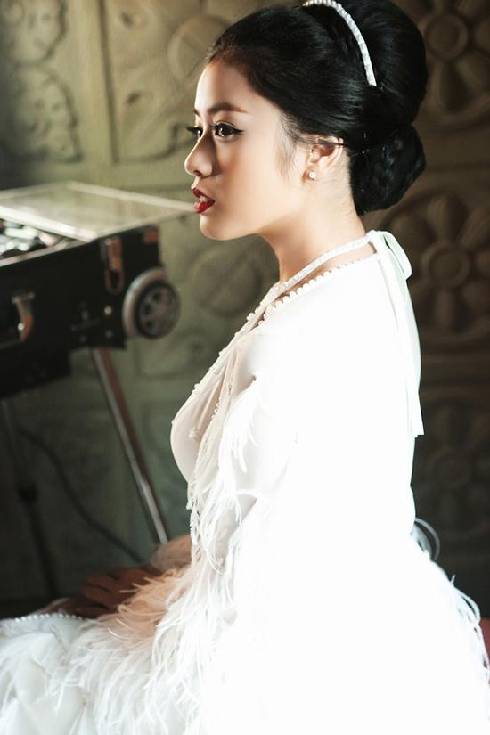 hot-girl-sao-mai-tung-mv-dam-chat-than-thoai-ky-xao-nhu-phim-2