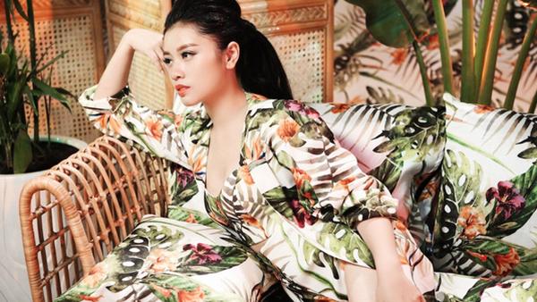 hot-girl-sao-mai-tung-mv-dam-chat-than-thoai-ky-xao-nhu-phim-1