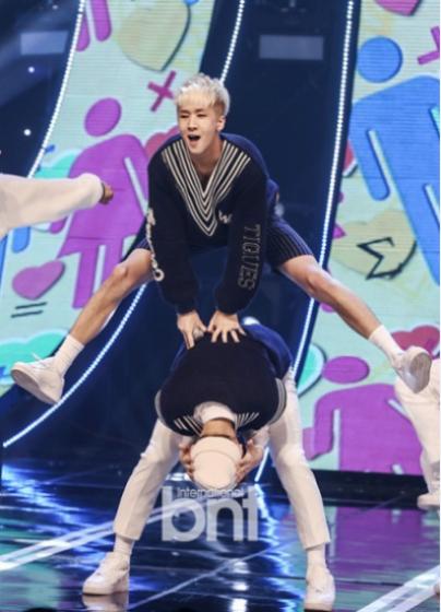 nhom-my-nam-kpop-gay-sot-vi-toan-thanh-vien-chan-dai-7