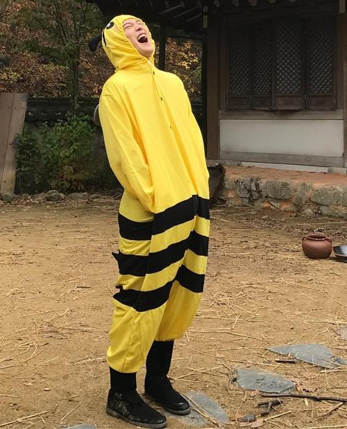 sao-han-6-11-yoon-ah-da-trang-bech-soo-young-sanh-dieu-khoe-chan-thon-4