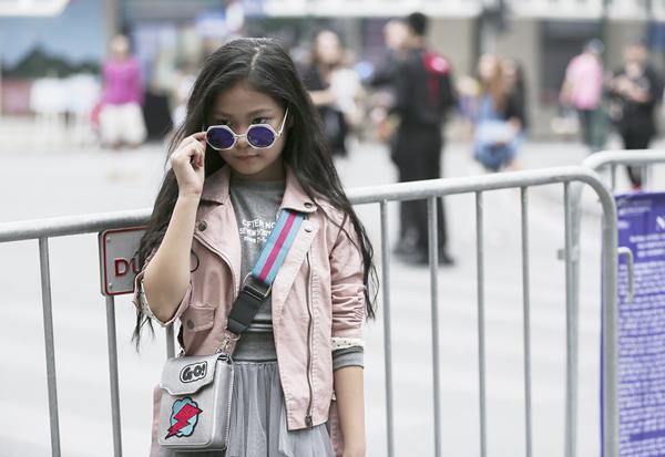 hot-girl-nhi-so-1-ha-thanh-khoe-street-style-chat-lu-3