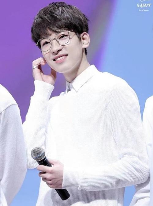 loat-sao-han-phat-cuong-voi-kinh-gong-tron-ngo-cute-5